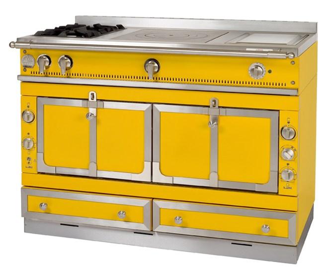 La Cornue offers custom colours in the kitchen - Inside ID
