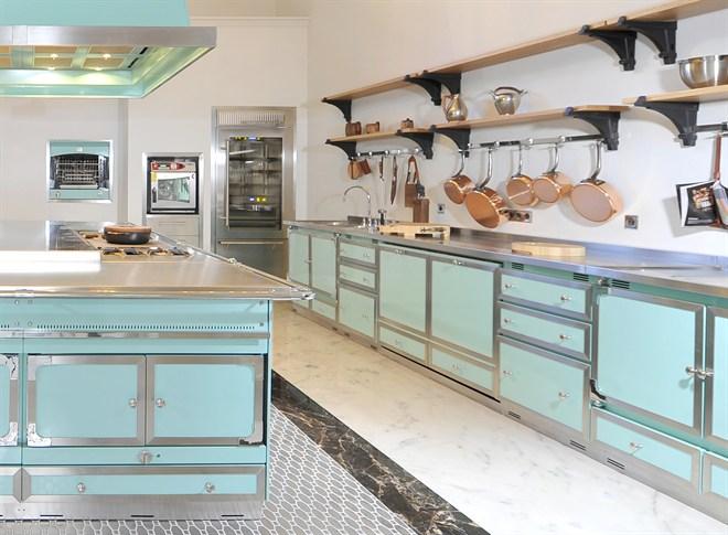 1000 ideas about la cornue on pinterest kitchens range. Black Bedroom Furniture Sets. Home Design Ideas
