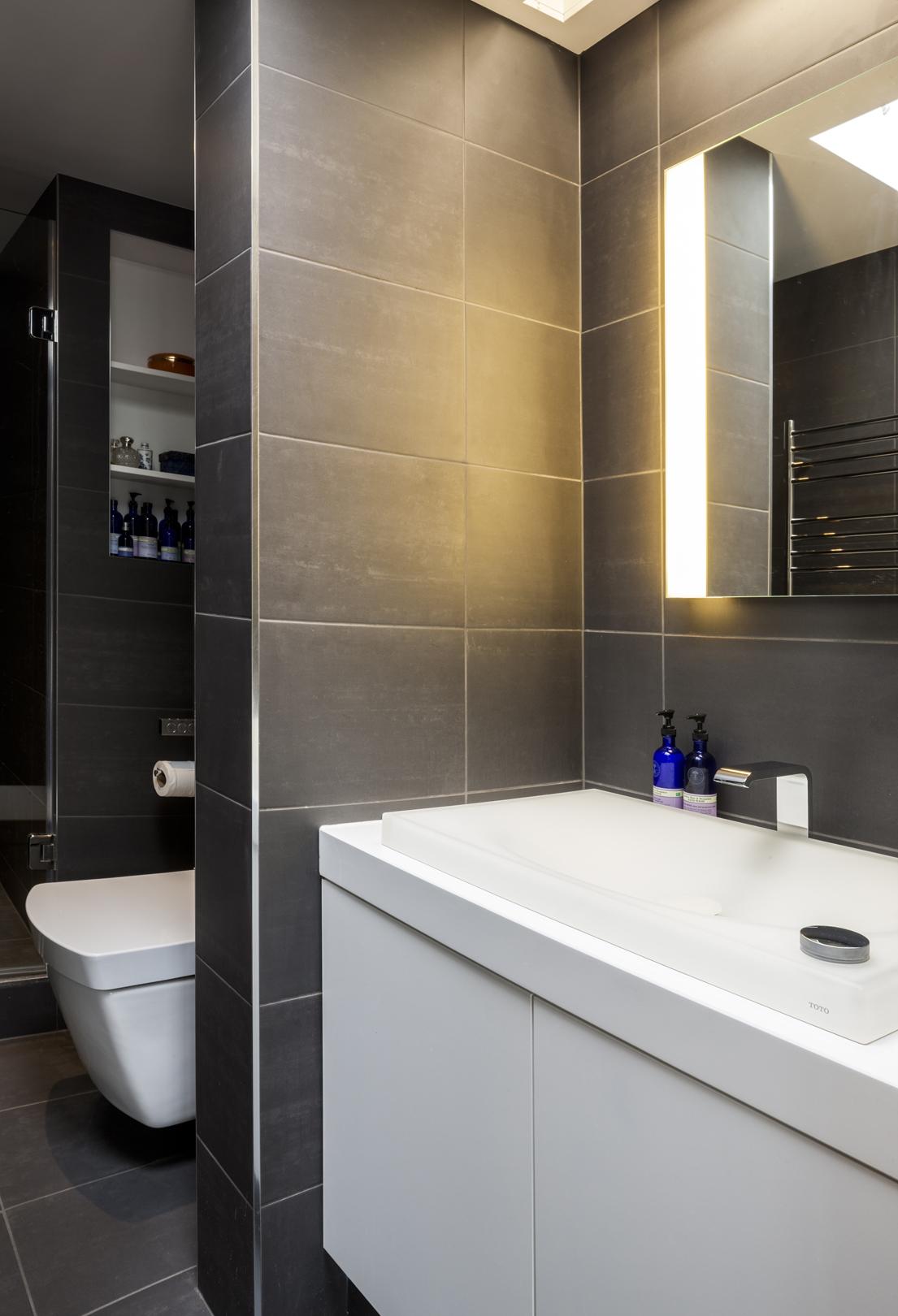 Bathroom brand toto brings luxury to grand designs inside id for Toto bathroom designs